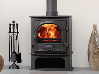 Stockton 5 Midline Multi-fuel stove - Multi-fuel stove with external riddling cleanburn airwash flat top no room vent required maximum heat output 4.9kW flue outlet top or rear choice of four colours stove size 600mm h x 481mm w x 294mm d - Prices from £919 inc
