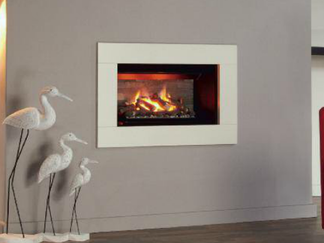 The Icona 600HE is a highly efficient and stylish open fronted fire that will enhance any room. It is very versatile and as well as being used as a Hole in the Wall feature it can be fitted into a fireplace. With a choice of frames, formats, and a selection of stunning hand finished fuel effects and rear linings, you can tailor the Icona 600HE to suit your individual style.