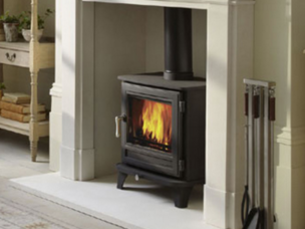 The Salisbury 5kw wood burning stove is DEFRA exempt for use in smoke control areas which means it can be safely and legally used to burn logs in all major cities and towns throughout the UK. Net efficiency rating 84.5%. - On display in our showrooom